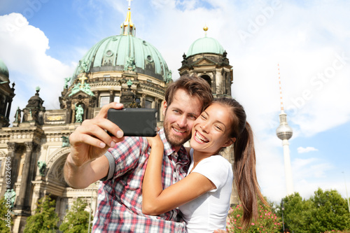 Αφίσα  Travel couple selfie self portrait, Berlin Germany