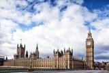 Widok na parlament z mostu Westminsterskiego