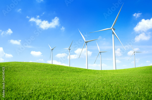 Fotografía  Windmill on a Green Field
