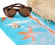 lunettes de soleil sur paréo