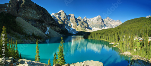 La pose en embrasure Canada Lake Moraine, Banff national park