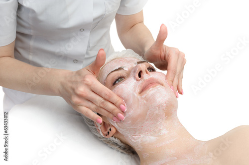 Photo  facial massage with scrub mask