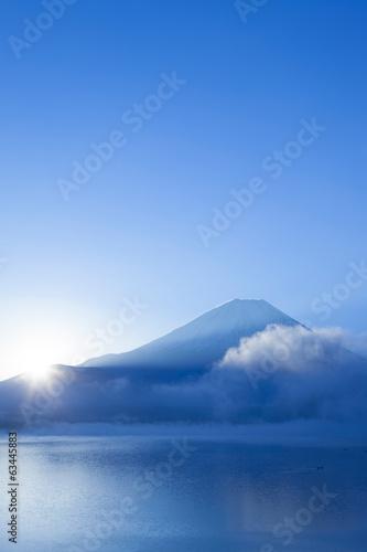 Foto 本栖湖からの朝日