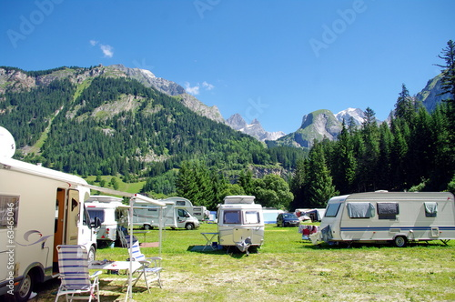 Tuinposter Kamperen camping-parc de la vanoise-savoie