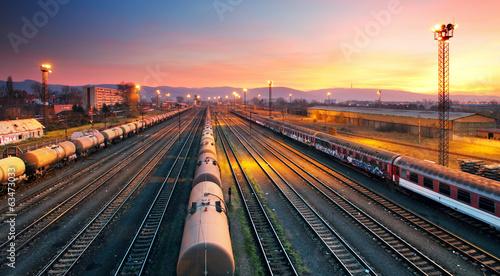 Cuadros en Lienzo Cargo freight train railroad station