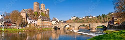 Fotografia  Romantisches Runkel an der Lahn mit alter Brücke und Burgruine