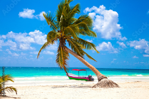 Fotografia, Obraz  Vacations and tourism concept: Caribbean Paradise.