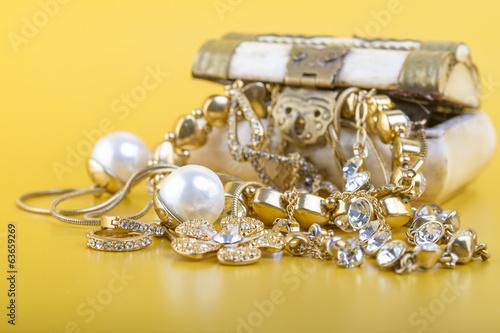 Fotografía  Gold Jewelry Concept