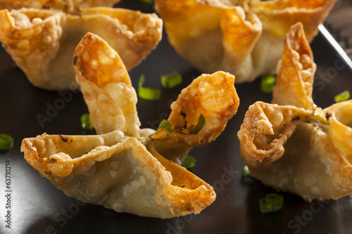 Spoed Fotobehang Voorgerecht Asian Crab Rangoons with Sweet and Sour Sauce