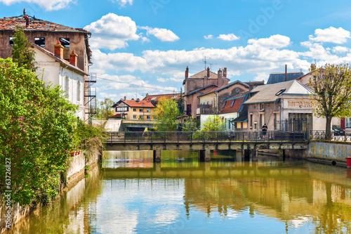 Papiers peints Vieux rose River Meurthe flowing in Saint-Nicolas-de-Port