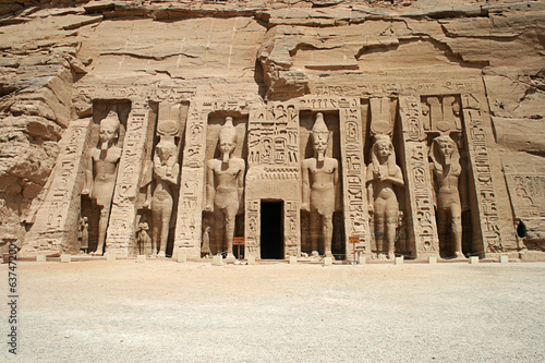 Fotografie, Obraz  The Temple of Hathor and Nefertari, Abu Simbel, Egypt