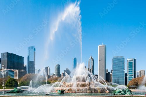 Photo Buckingham Fountain and Chicago Skyline