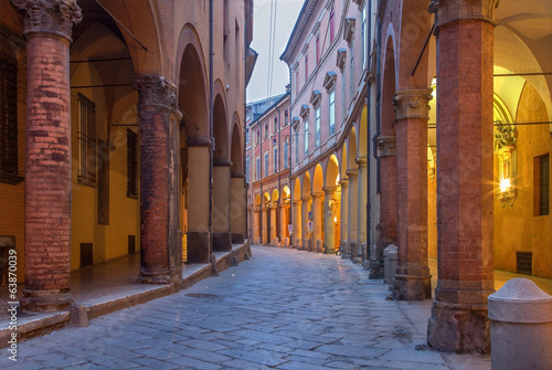 Bologna -  Via Santo Stefano (St. Stephen) street Tablou Canvas
