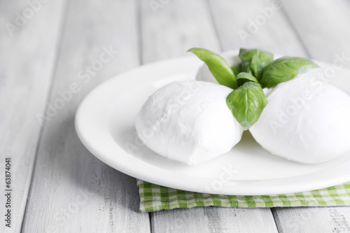 Poster Produit laitier Tasty mozzarella cheese with basil