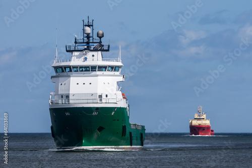 Valokuva Cargo Ships entering harbour