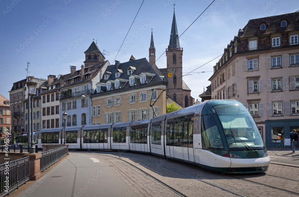 Fototapety, obrazy: Modern tram on the streets of Strasbourg, France