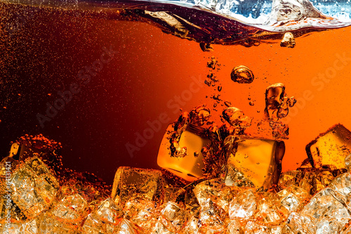 Cola with Ice Tablou Canvas