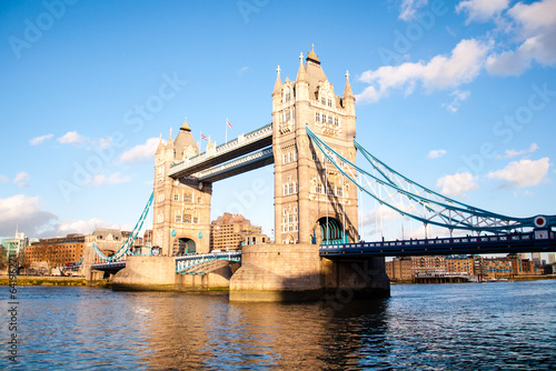 Poster London london's tower bridge on a clear spring day
