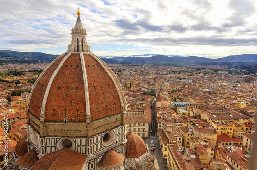 In de dag Florence Florence: landscape with Santa Maria Maggiore Dome HDR