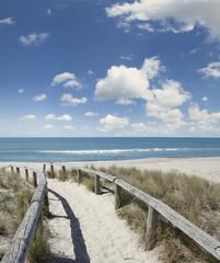 Fototapeta Optyczne powiększenie Beach walkway