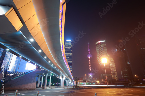 Photo  Shanghai modern city landmark background night view of traffic