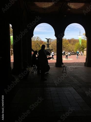 Photo  Musicians in the Bethesda Fountain
