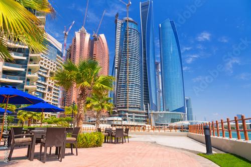 In de dag Abu Dhabi, the capital of United Arab Emirates