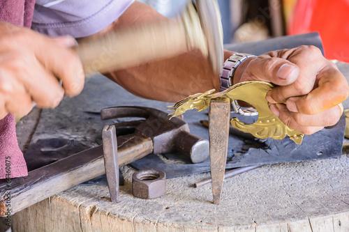 Fotografija  Craftsman brass