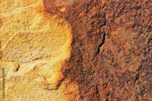 kamienna-sciana-bezowy-brazowy