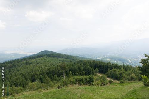 Foto auf Gartenposter Hugel Wysoki Kamień, widok na Szklarską Porębę, Sudety, Polska