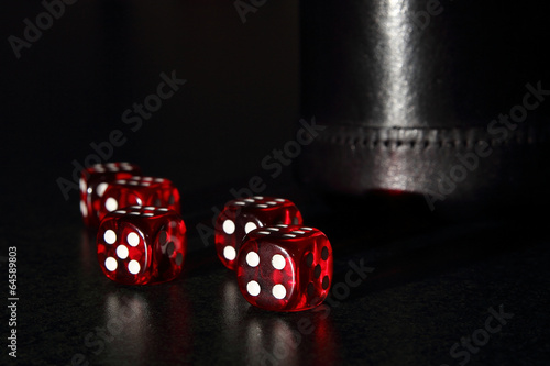 фотография  Red Dice with a Black Dice Cup