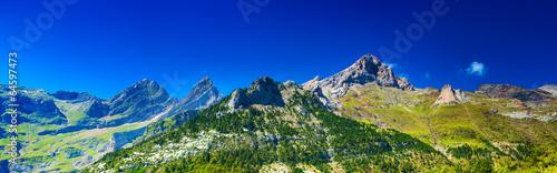 Keuken foto achterwand Donkerblauw Pyrenees mountains