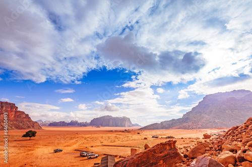 Fotobehang Midden Oosten Scenic view of Jordanian desert in Wadi Rum, Jordan.