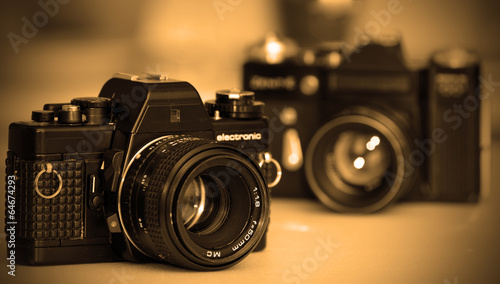 Dwa klasyczne aparaty SLR
