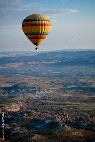 Poster Montgolfière / Dirigeable Hot Air Balloons Over Cappadocia, Turkey