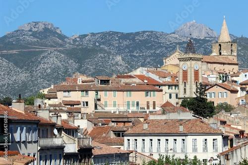 Photo Aubagne en Provence et Massif de la Sainte-Baume