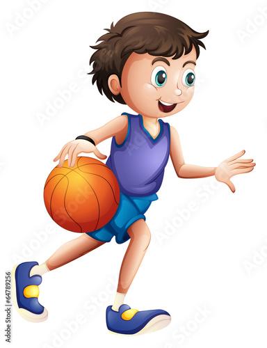 energiczny-mlody-czlowiek-gra-w-koszykowke