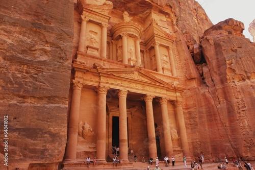 Fotobehang Midden Oosten View of the treasury Al Khazneh, Jordan