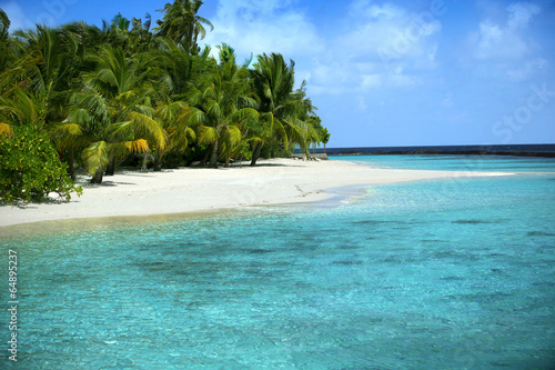Fotografía Beautiful Beach with blue sea & blue sky