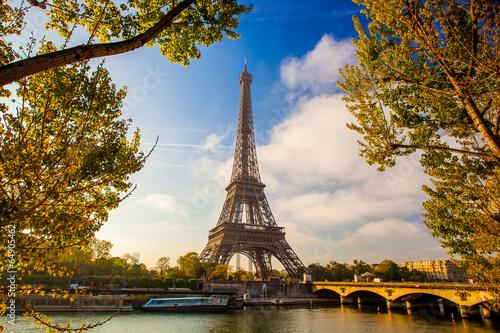 Printed kitchen splashbacks Eiffel Tower Eiffel Tower with boat on Seine in Paris, France