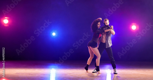 Küchenrückwand aus Glas mit Foto Tanzschule Dancing Couple