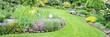 Leinwandbild Motiv toller Garten mit verschiedenen Blumen