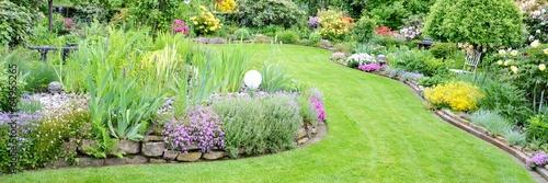 Stickers pour portes Vert chaux toller Garten mit verschiedenen Blumen