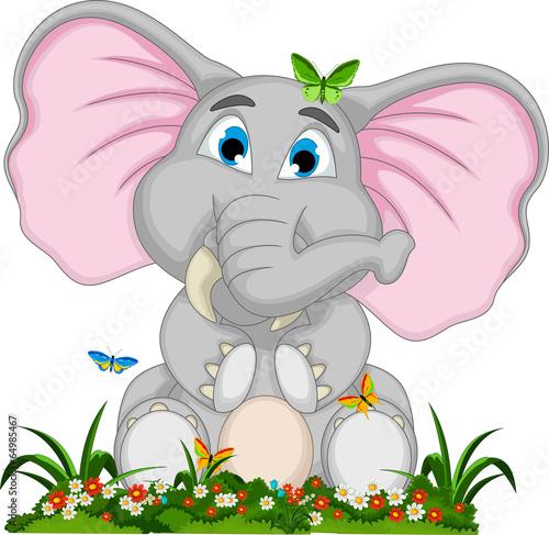 ladny-slon-kreskowka-siedzi-w-ogrodzie