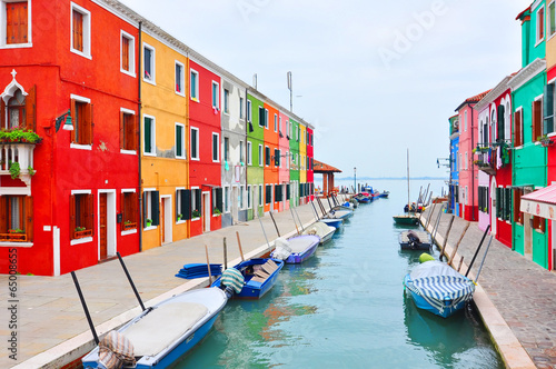 Papiers peints Canal Burano island canal, colorful houses church. Italy.
