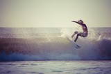 surfing - 65011476