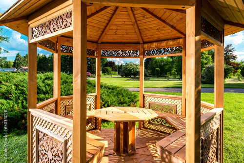 Fotografie, Tablou Inside of wooden gazebo