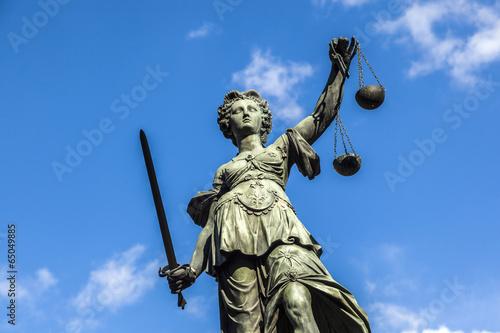 plakat Justitia, pomnik we Frankfurcie nad Menem, Niemcy