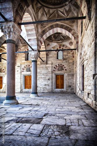 dziedziniec-meczetu-beyazit-camii