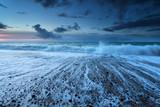 Fala na brzegu oceanu